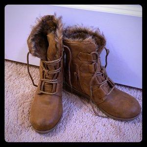 Stevie's wedge heel little girls boot